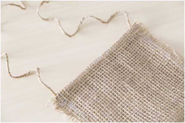 burlap-pouches-wholesale