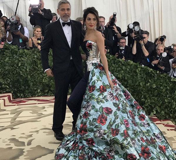 Amal-Clooney-metgala-show