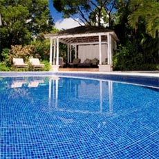 Glass-Swimming-Pool-Tiles