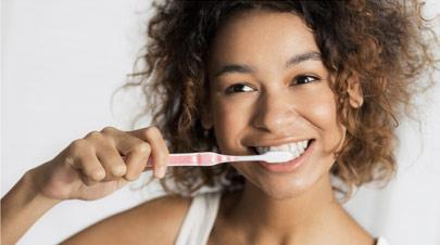 Teeth While Pregnant & Breastfeeding