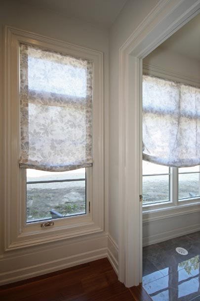 corner-window-coverings-loganova